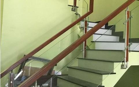 cầu thang kính giá rẻ