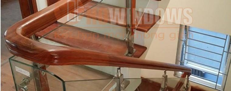mẫu-câu-thang-kính-gỗ